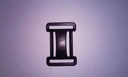 Пряжка четырехщелевая регулировочная 25 мм черная - фото 12955