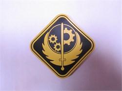 Шеврон на липучке FA2 Братство Стали PVC желтый - фото 16296